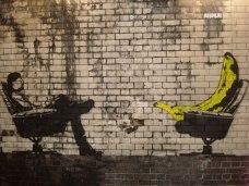 banksy banana therapy
